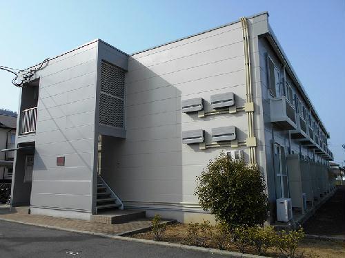 レオパレスマンダリアンコート藤井の外観