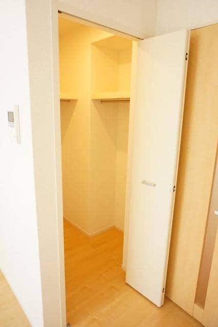 ディアコート 宮脇 01020号室の収納