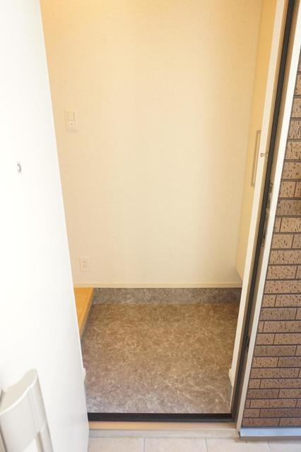 ディアコート 宮脇 01020号室の玄関