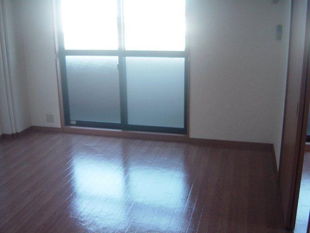 グレイスヴィラ A棟 305号室の玄関