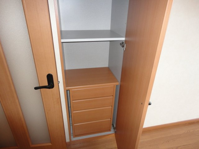 グレイスヴィラ A棟 305号室のベッドルーム