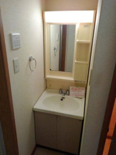 クレストール都 01010号室の玄関