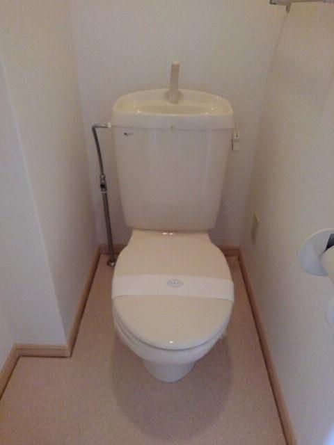 エルディム高木 A 01030号室のトイレ