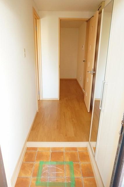 マリッチ高嶋 02060号室の玄関
