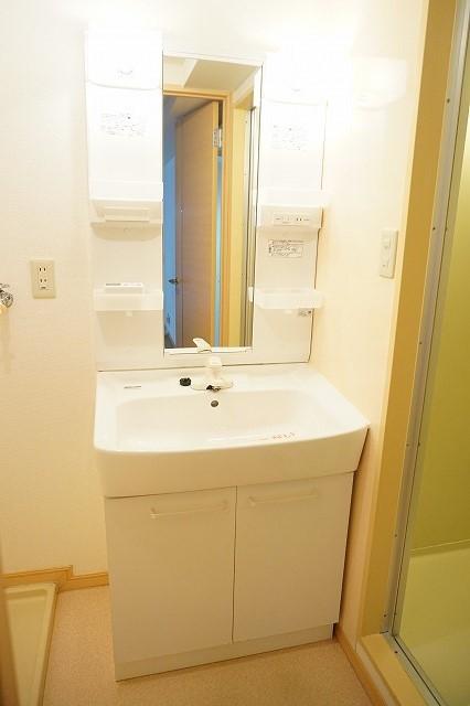マリッチ高嶋 02060号室の洗面所