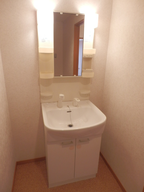 あさひレジデンス六番館 EASTの洗面所