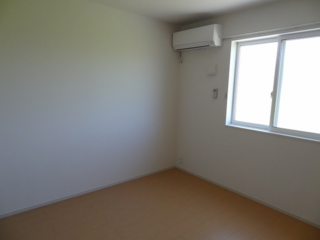 パルパレスA 01010号室の居室