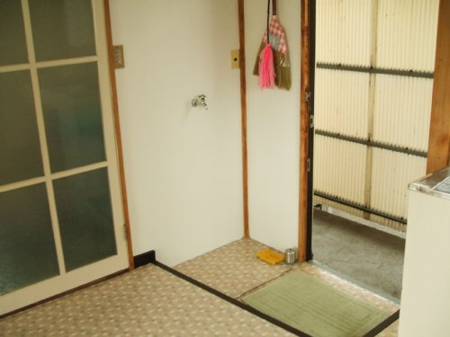 桃山荘 206号室の玄関