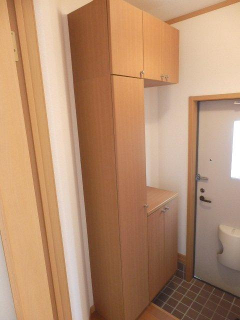 サンドミールA 01030号室の収納