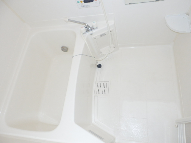 サンドミールA 01030号室の居室