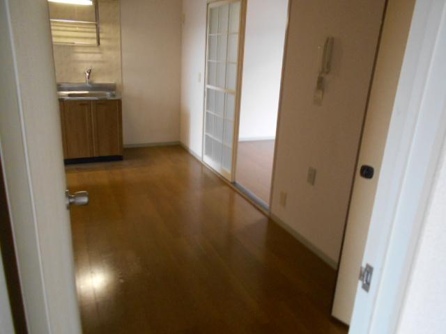 ライフタウン高幡 201号室の収納