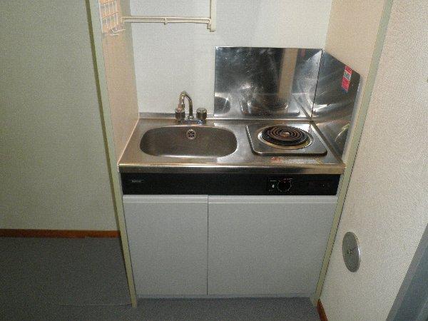 ライフスクエア東 303号室のキッチン