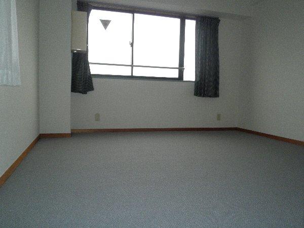 ライフスクエア東 303号室のベッドルーム