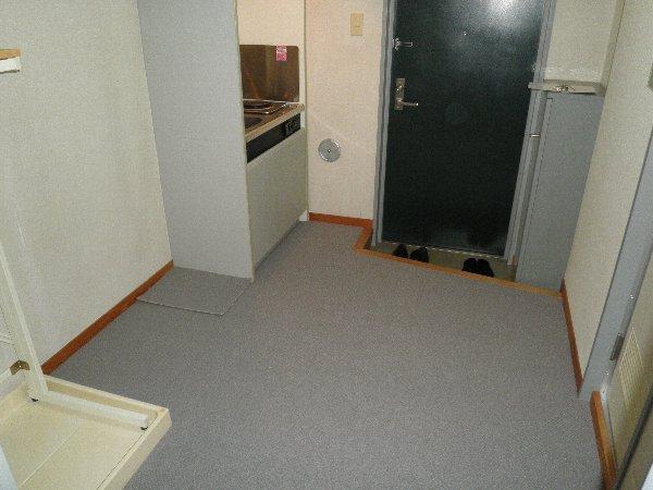 ライフスクエア東 303号室の玄関