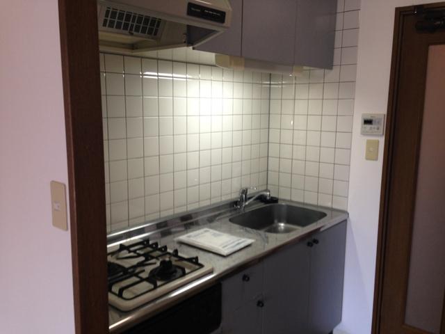 コアレジデンス 402号室のキッチン