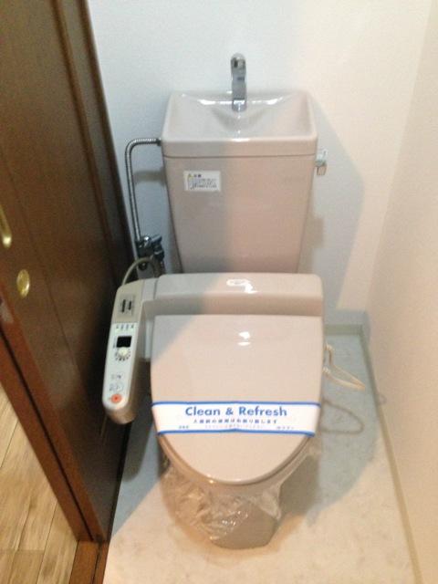 コアレジデンス 402号室のトイレ