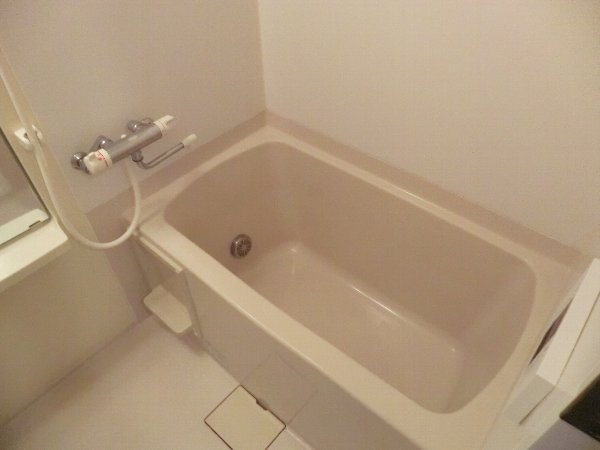 ジャカランダ 203号室の風呂