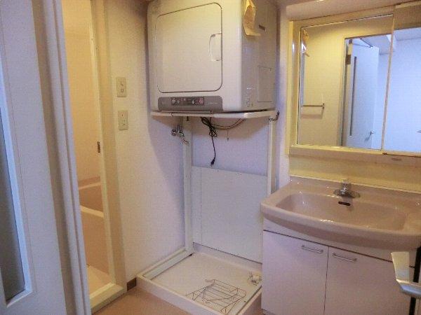 ジャカランダ 203号室の洗面所