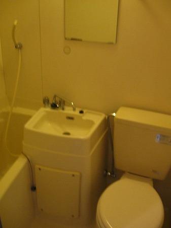 ドルフィン 102号室のトイレ
