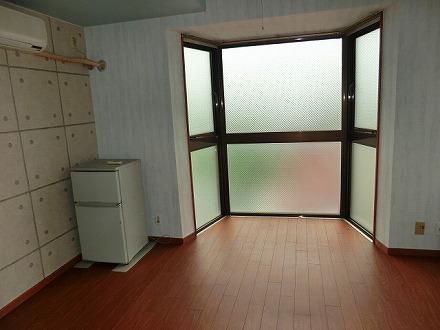 ガーデンハイツ欧杜 4D号室のリビング