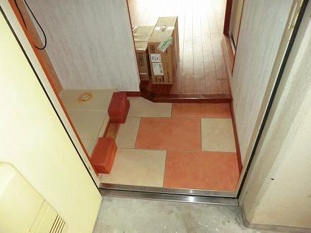 ガーデンハイツ欧杜 4D号室の玄関