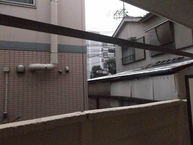 レザン浜田山 103号室のエントランス