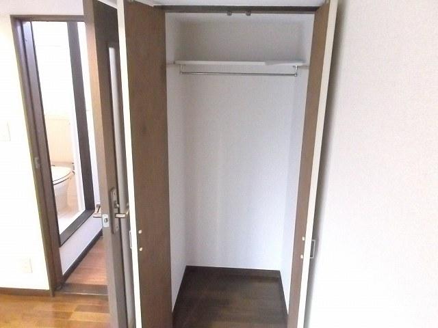 レザン浜田山 103号室の玄関