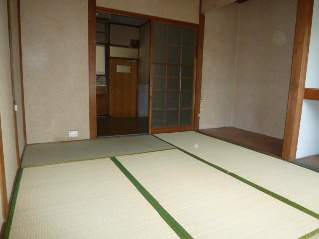 カクタス荘 101号室の収納