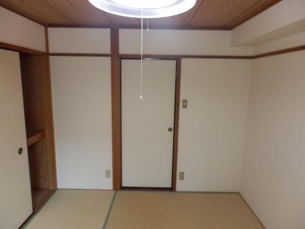 パレス大津 201号室のベッドルーム