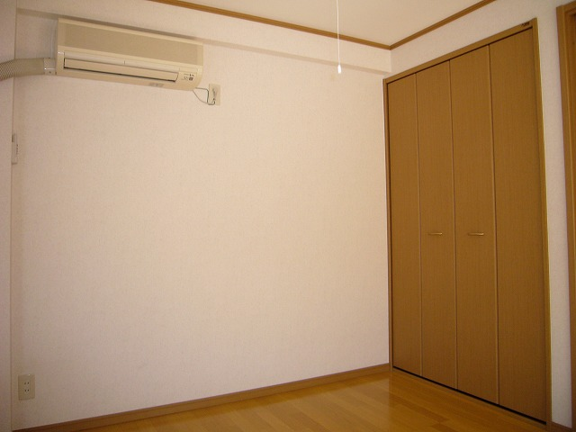 ライフモリ2号館 202号室のベッドルーム