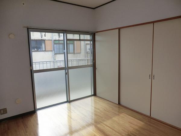 210ルミエール 213号室のリビング
