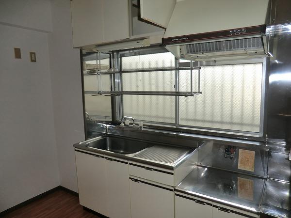 210ルミエール 213号室のキッチン