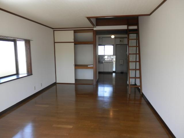 サンフィールド・トウマ 201号室のベッドルーム