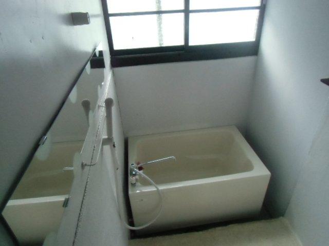 グレーシア横須賀中央 104号室の風呂