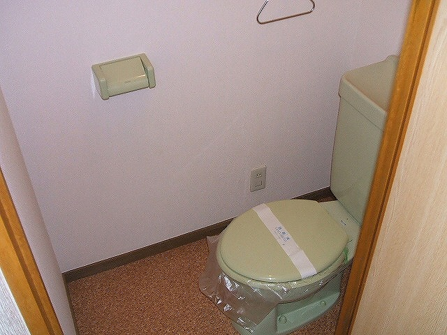 フレスカ伊吹 201号室のトイレ
