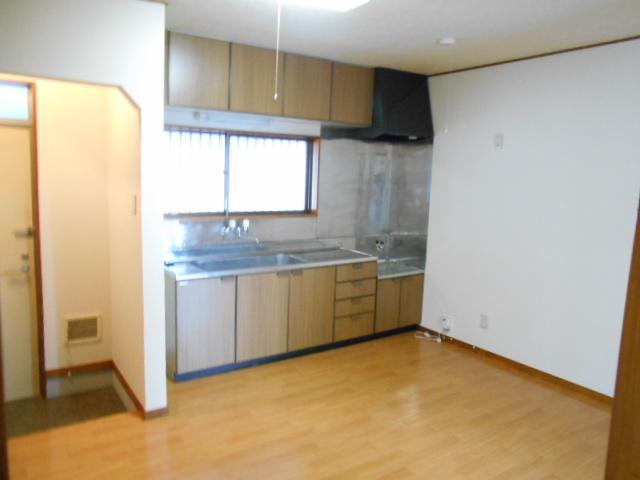 メゾンカトレア 201号室のキッチン