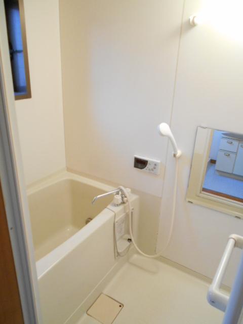メゾンカトレア 201号室の風呂