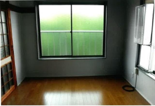 松田ビル 301号室のリビング