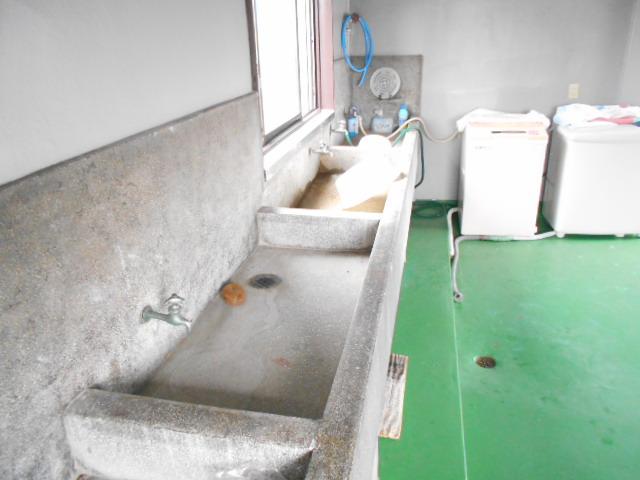 松田ビル 301号室の洗面所