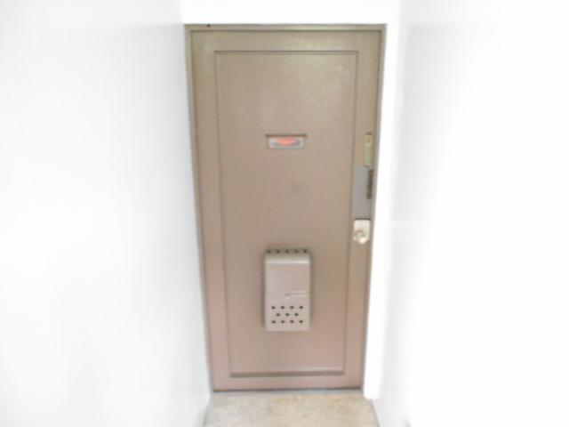 松田ビル 301号室の玄関