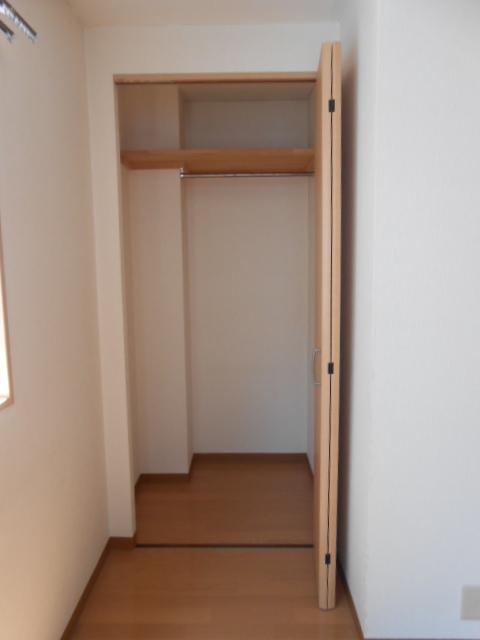 サンテール亀島 3B号室の収納