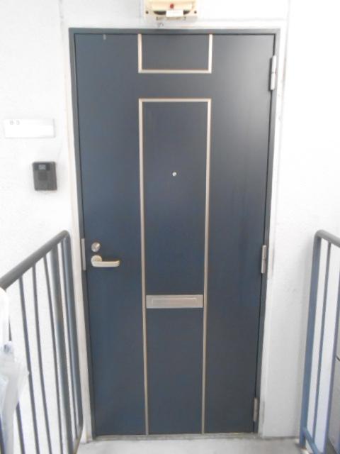 サンテール亀島 3B号室の玄関