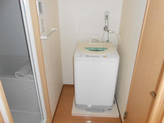 サンテール亀島 3B号室の洗面所