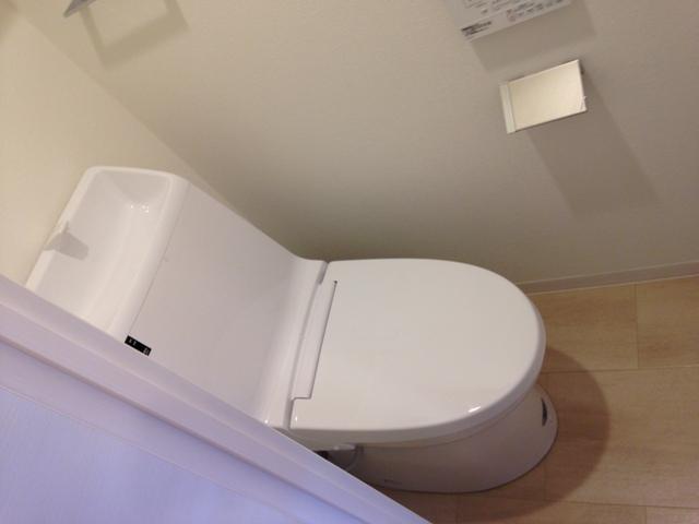 ステージファースト名駅 703号室のトイレ