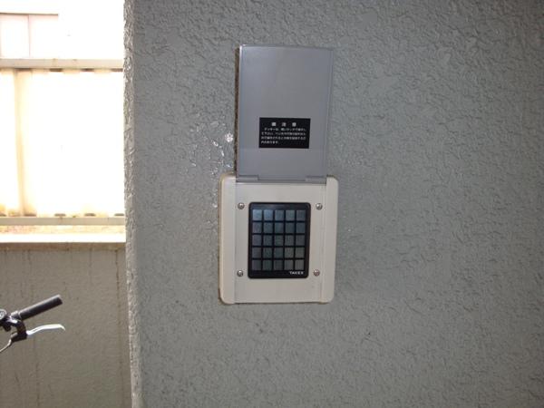 プレスイン篠原橋 4B号室のセキュリティ