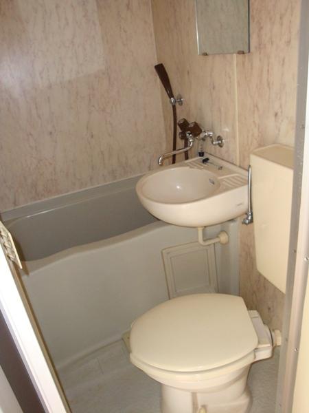 プレスイン篠原橋 4B号室の風呂