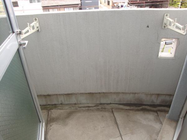 プレスイン篠原橋 4B号室のバルコニー
