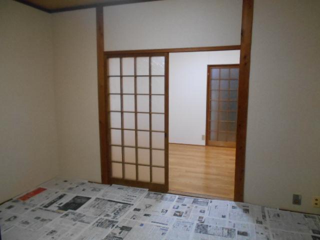 ハイツ大覚寺 206号室の居室