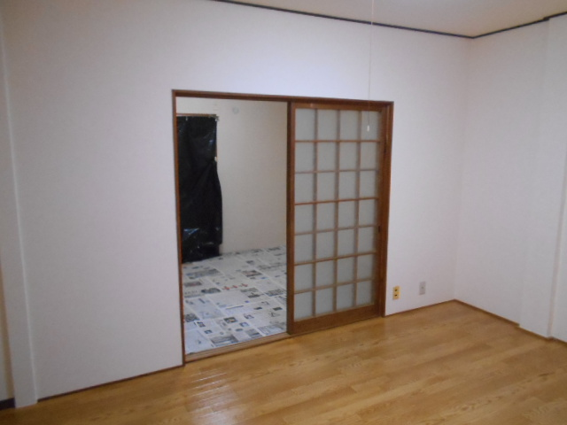 ハイツ大覚寺 206号室のリビング