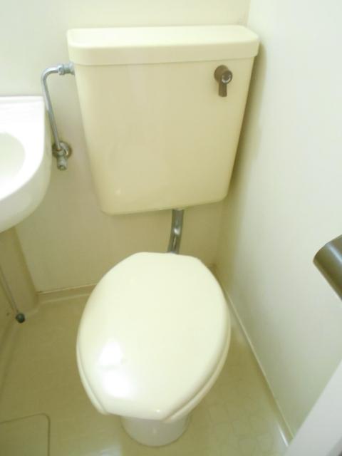 サニーハイツ西ノ京 3-F号室のトイレ